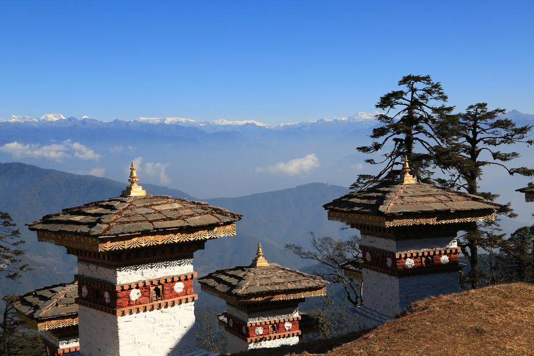 Bhutanese Himalayan Mountain Range, Dochula Pass